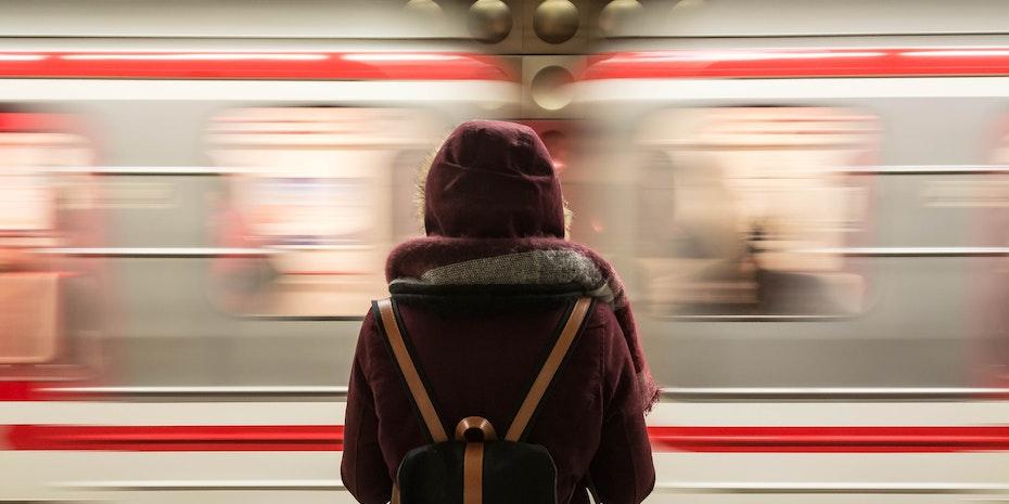 Train - Metaphore: German etiquette