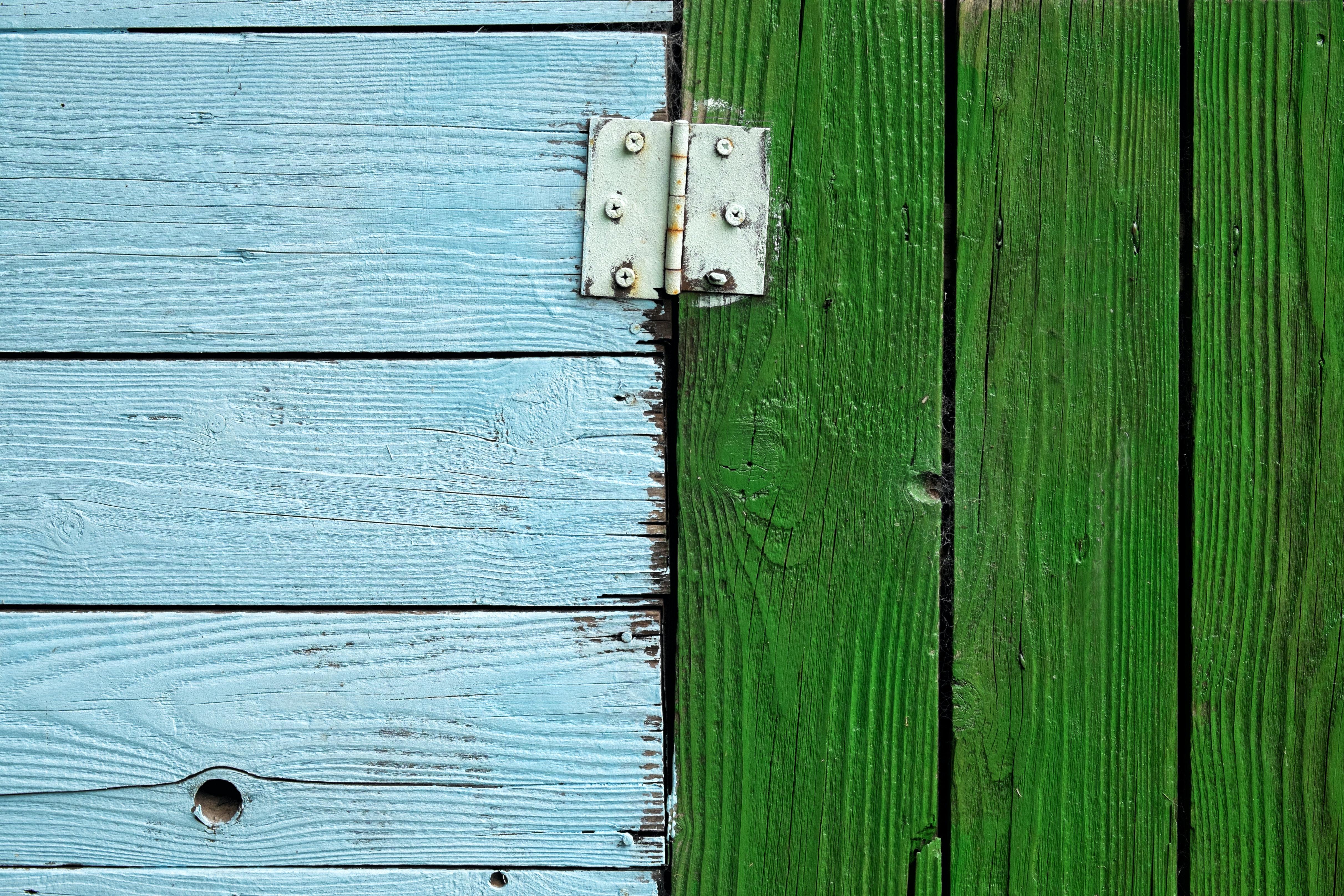 Wooden door hinge - Metaphor: Engineering degrees germany